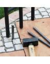 Stahlstifte zur Befestigung eines Gartenpavillons